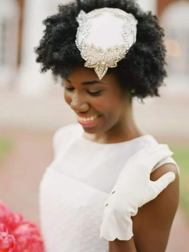 Simple bridal hairstyle for bob