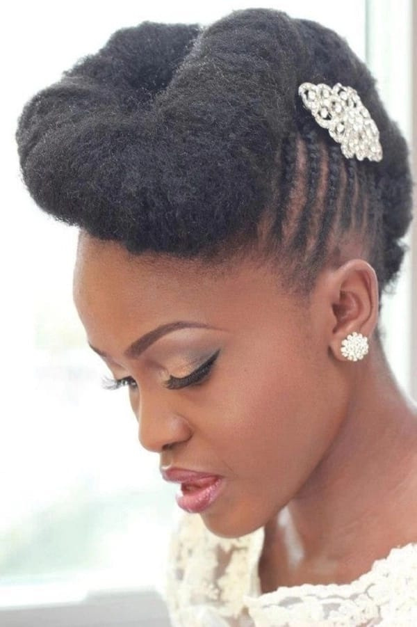 Bridal hairdo with a shell